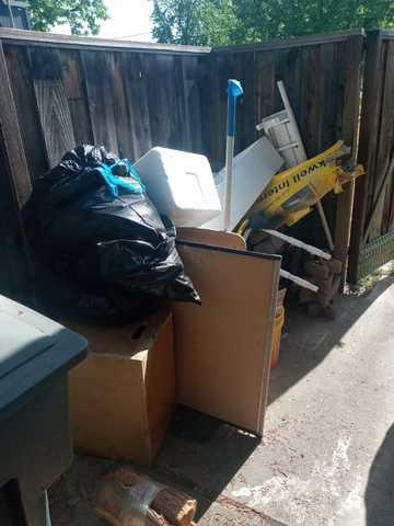 Backyard cleanout in Sunnyvale, CA 94087, USA