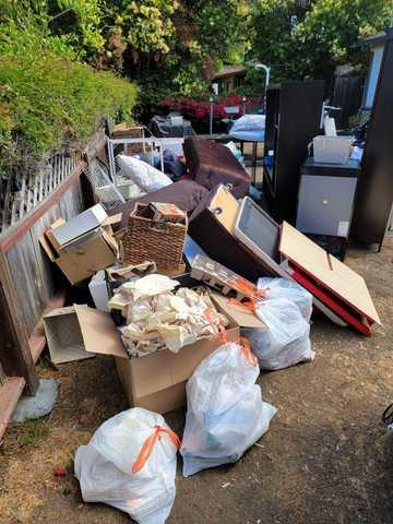 Junk Removal in Mountain View, CA - Before Photo