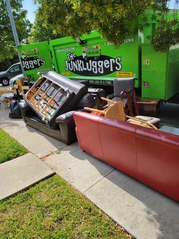 Curbside Junk Removal in Cupertino, CA