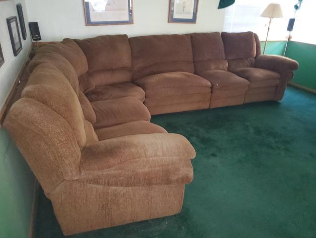 Furniture Removal in Santa Clarita, CA
