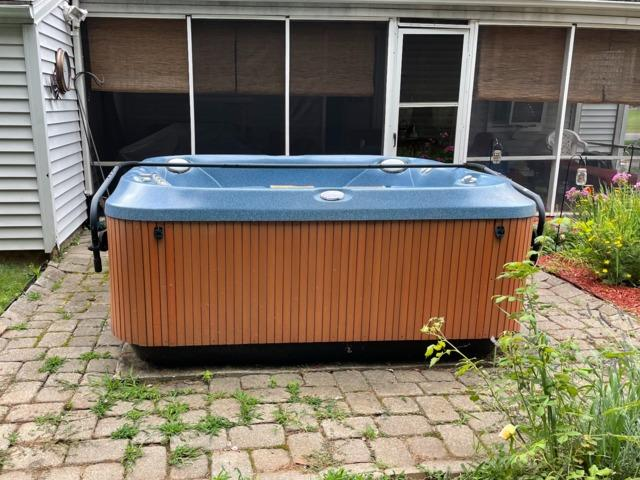 10x10 Hot Tub Removal in Wethersfield, CT