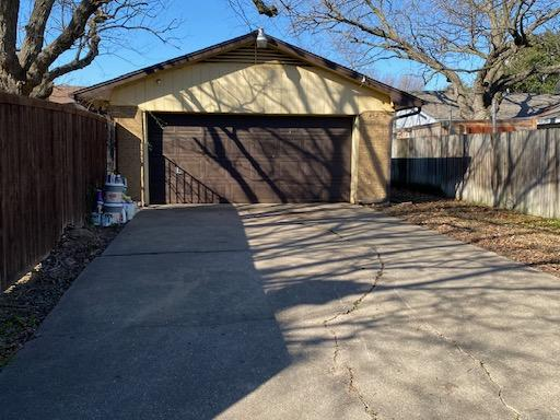 Driveway cleanup with large quantity of items removed in Garland, TX - After Photo