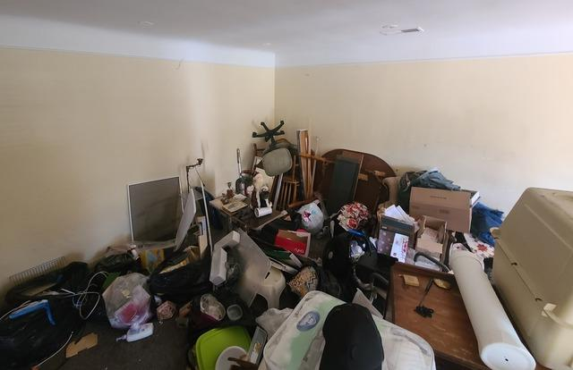 Whole House Clean out in Los Angeles, CA