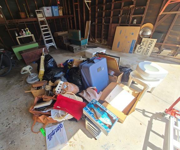 Garage & Estate Cleanout in Mar Vista neighborhood of Los Angeles, CA