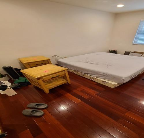 Moving and need furniture removal services in Los Angeles, CA