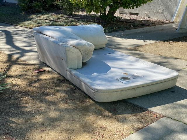 Curbside Couch Pick up in Los Angeles, CA