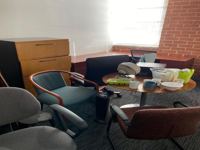 Removing Office Furniture in Los Angeles, CA