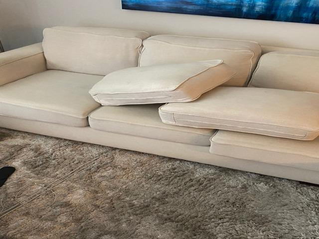 Couch Removal in Los Angeles, CA