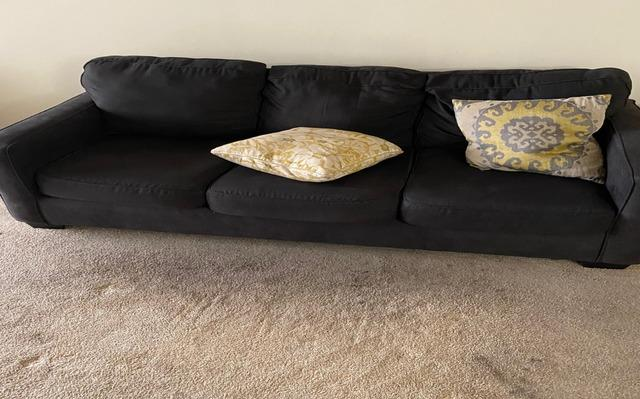Couch Removal Services in Los Angeles, CA