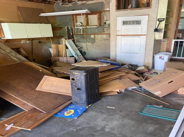 Garage cleanout services in Long Beach, CA.
