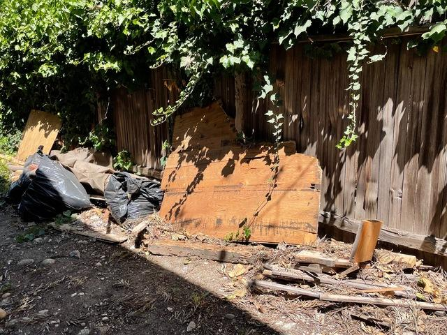 Yard debris & waste removal services in Rancho Palos Verdes, CA.