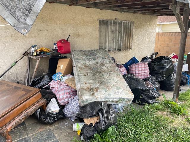 Yard debris & waste removal services in Compton, CA.