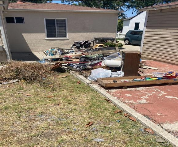 Junk Removal Services in Long Beach,CA