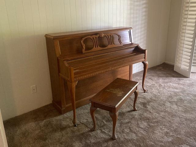 Piano Removal in Long Beach, CA.