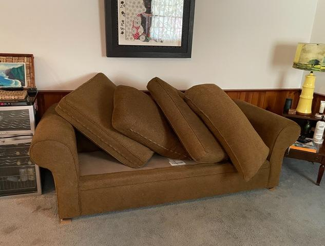 Furniture Removal in Long Beach, CA.
