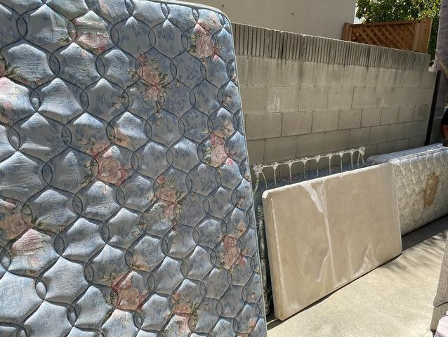 Mattress Removal in Torrance, CA.