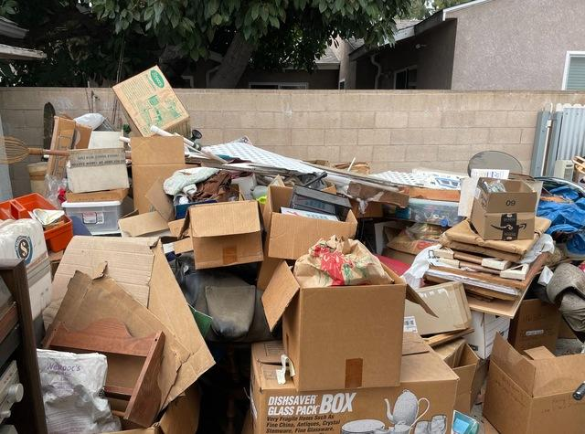 Junk Removal Service in Long Beach, CA.