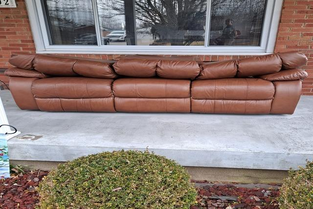 Couch Removal and Donation in Louisville, Kentucky