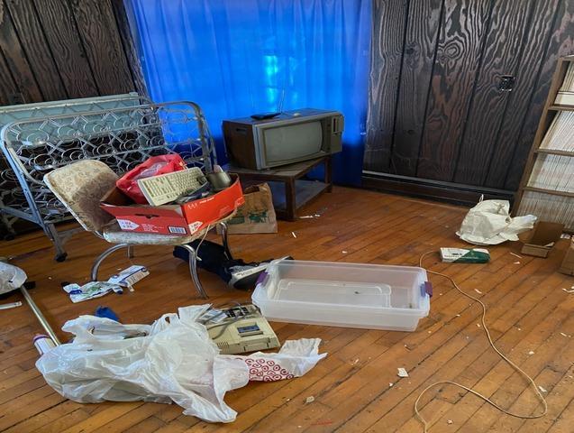 Estate Clean Out, South Lyon MI
