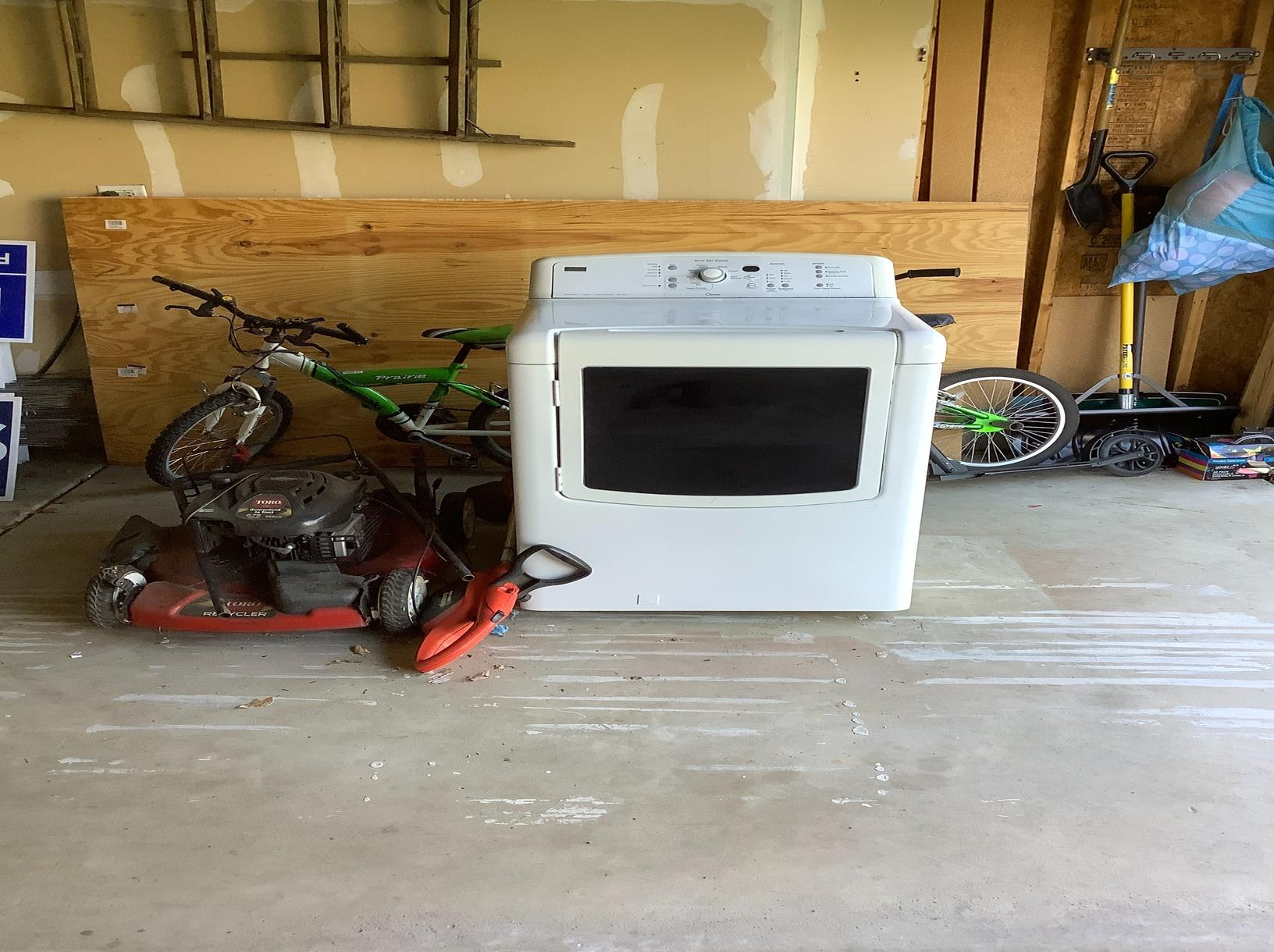 Appliance Removal in Bartlett, IL - Before Photo