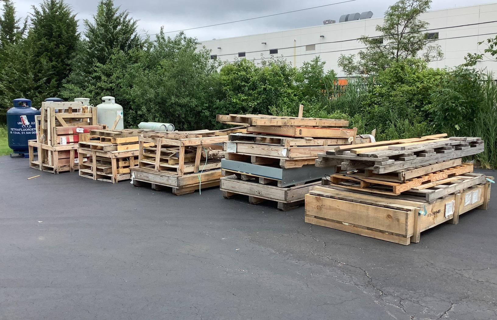 Commercial Junk Removal in Arlington Heights, IL - Before Photo