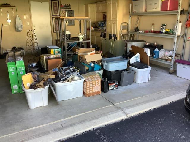 Garage Cleanout in Carpentersville, IL