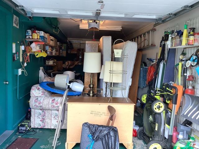 Garage Cleanout in Elk Grove Village, IL
