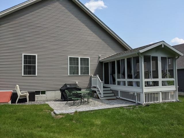 Screened-in Porch Built in Londonderry, NH