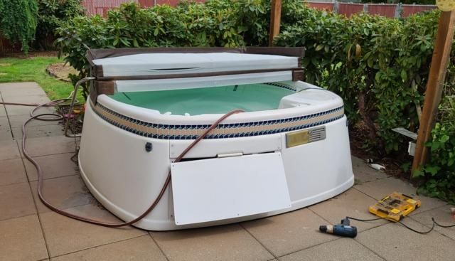 Hot Tub Removal Services in Marysville, WA
