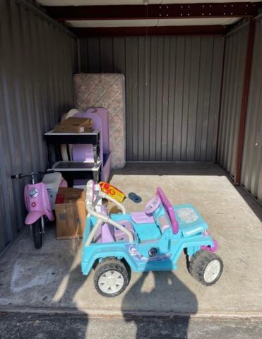 Jacksonville, Fl Storage unit clean out