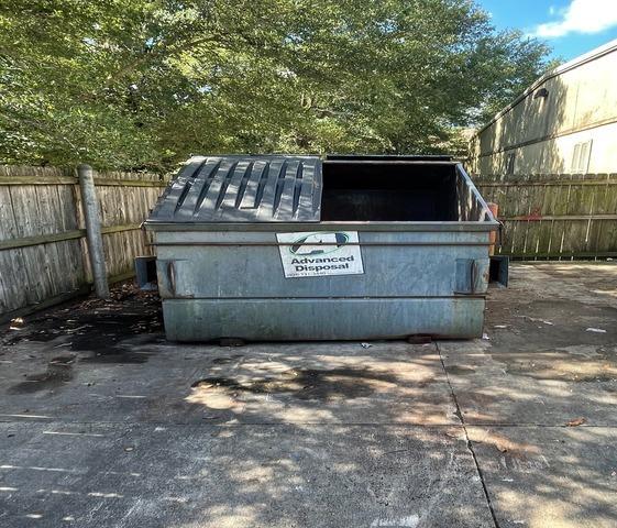 Jacksonville Florida, Commercial dumpster clean out