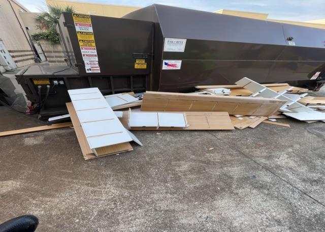 Jacksonville, Fl   Dumpster Cleanout in
