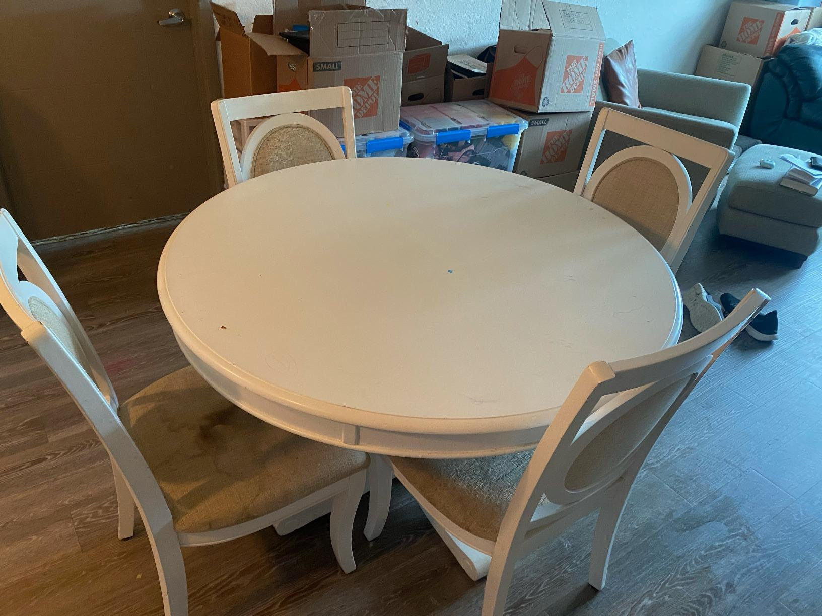 Dining Set Removal in Oviedo, FL - Before Photo