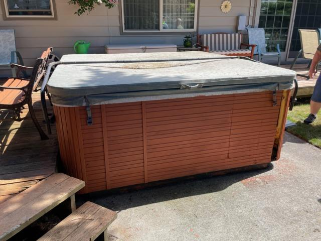 Portland Or - Hot Tub Removal - Before Photo