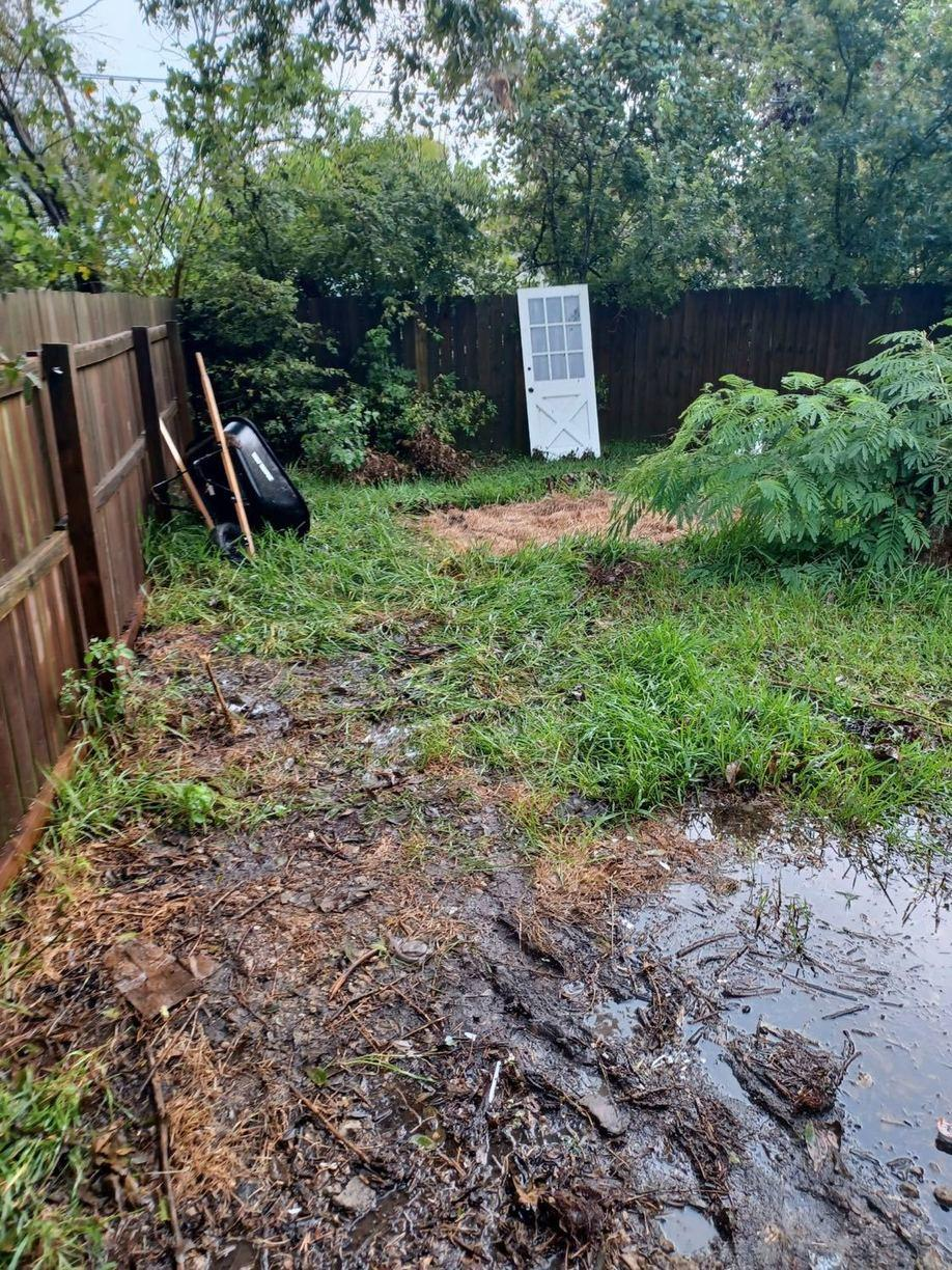 Cleaning Out a Yard in La Marque, TX - After Photo