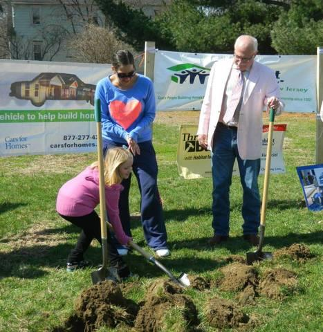 On Saturday, April 5, 2014, Kim Gattuso along with 7 year old daughter Isabella were at the groundbreaking for the...