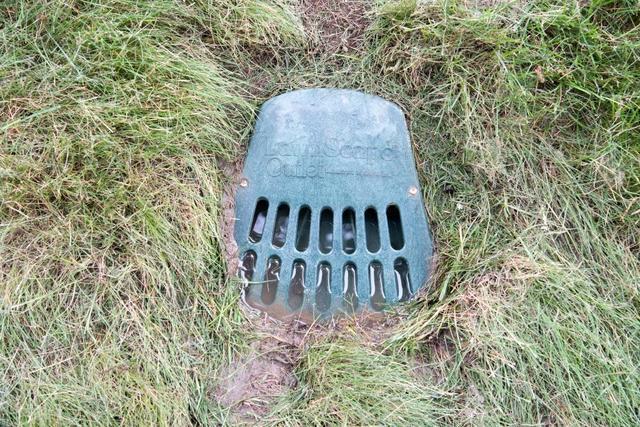Protéger le sous-sol de l'eau qui provient des descentes de gouttières!