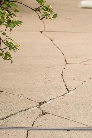 Does Your Concrete Have Freeze-Thaw Cycle Damage? - Image 2