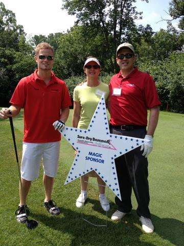 Three employees golf for wishes - Image 1