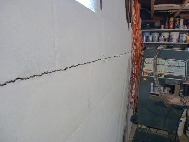 Horizontal Crack Wall