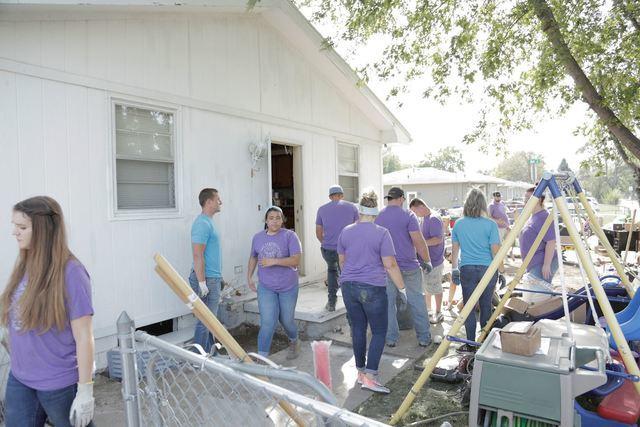 Thrasher Team Volunteering in Council Bluffs