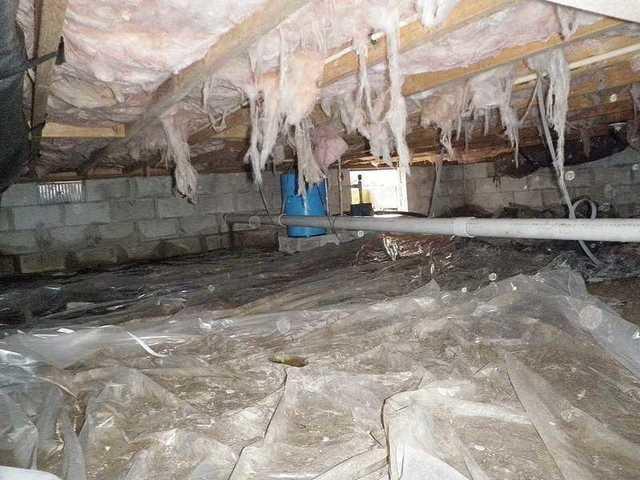 Hanging crawlspace insulation