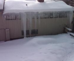 What Is An Ice Dam and How to Prevent Ice Damming in CT