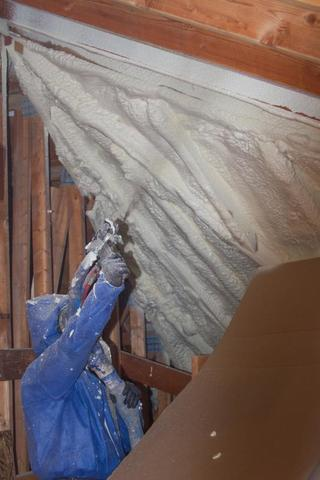Helpful Tip: Choosing Spray Foam Insulation