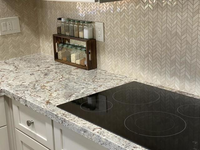 What\'s the Best Backsplash Material? - Image 3