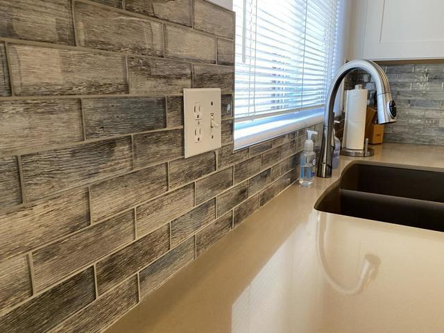 What's the Best Backsplash Material?