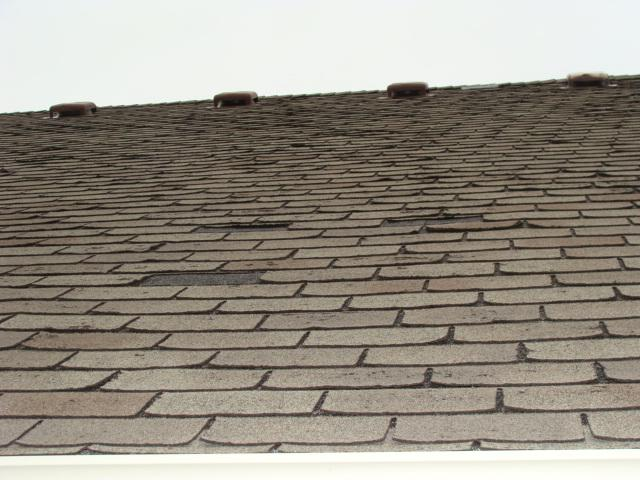 4 Common Signs That Your Roof Needs Your Attention - Image 1