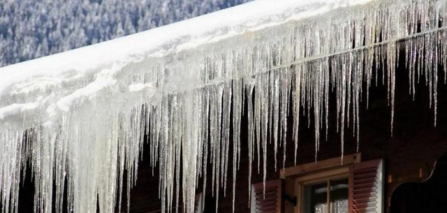 6 Reasons Working Gutters are Essential to the Safety of Your Home This Winter - Image 4