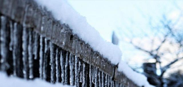 6 Reasons Working Gutters are Essential to the Safety of Your Home This Winter - Image 6