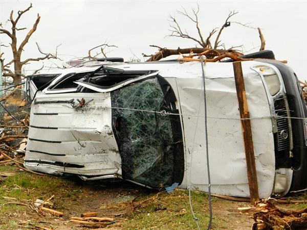 Search for Texas tornado survivors: Some victims 'not even near their homes'